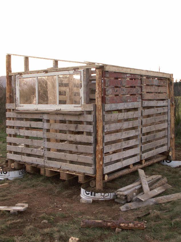 Le poulailler suite les 3 p tits cochons for Faire construire maison pas cher